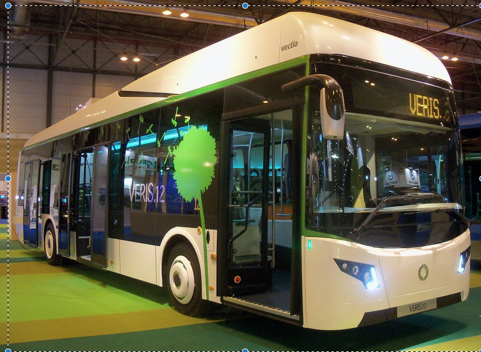 Las Palmas de Gran Canaria adds 3 hybrid buses in their PT fleet